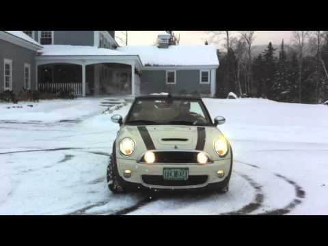 2009 MINI Cooper S Convertible Snow/Ice Video