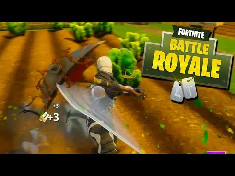 CRAWLING FOR MY LIFE! - Fortnite Battle Royale with The Crew!