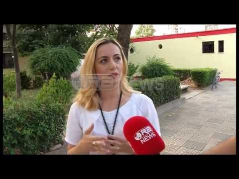 Një ditë dëgjesë, Ora News ndoqi turin e Eduard Shalsit dhe Senida Mesit