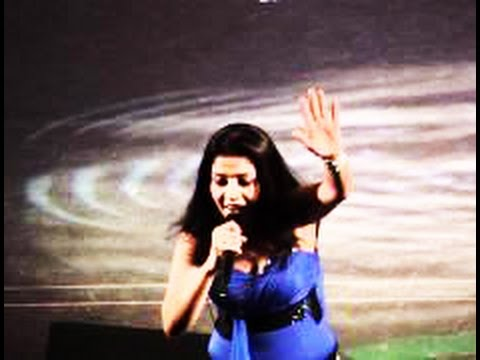 Sunidhi Chauhan Live Performance - (Apni to jaise taise) - Housefull Movie Song