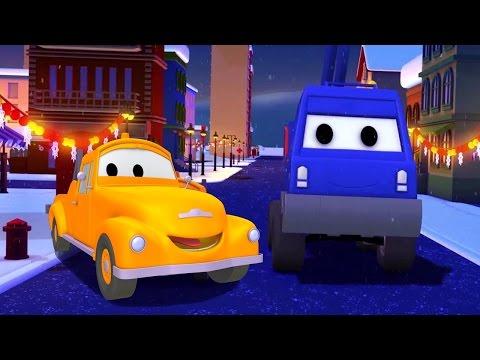 Bärgningsbilen Tom och Korgliften | Byggserier om bilar och lastbilar (för barn) JUL SPECIAL