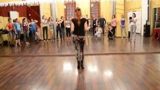 Женский стиль в кизомбе с Кристиной Шаталовой, танцевальный центр
