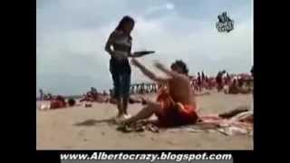Скрытая камера на пляже(Скрытая камера на пляже. Hidden camera on the beach., 2010-03-18T12:51:38.000Z)