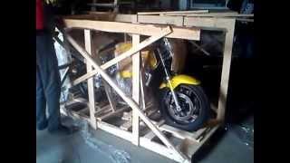 видео доставка мотоцикла