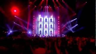 Gambar cover Shakira Loca feat Dizzee Rascal, Waka Waka   MTV EMAs 2010 HD