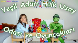 Yeşil Adam Hulk Uzay Odasını ve Oyuncaklarını Tanıtıyor - Eğlenceli Çocuk Videosu  Funny Kids Videos