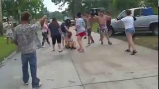 Amerikada Kızlı Erkekli Sokak Kavgası