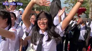 Thầy giáo náo loạn cả trường với hít Sóng Gió của K-ICM x JACK// Thầy Hiếu Vlog