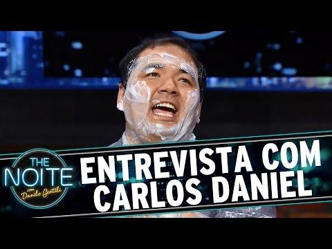 The Noite (17/08/15) - Entrevista Com Carlos Daniel, O Cara Que Tem Voz Da Xuxa