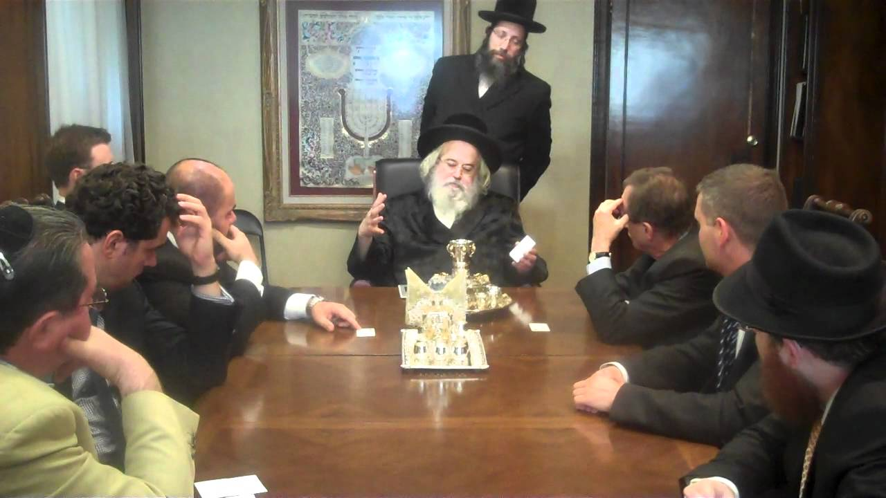 Munkatcher Rebbe with Hungarian diplomats Part 1/3