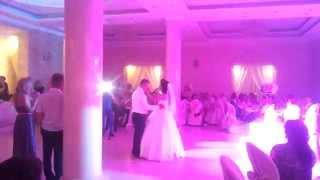 Красивая песня, невеста поёт для жениха...