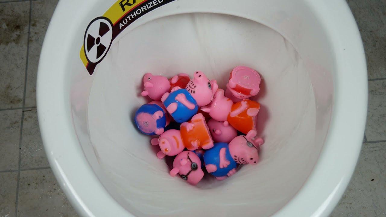 Will it Flush? - Peppa Pig Family Toys vs Toilet Experiment