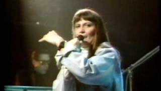 Watch Sandie Shaw Are You Ready To Be Heartbroken video