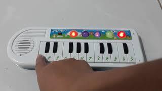 Bé quét nhà🎵Nhạc thiếu nhi🎵Đàn piano đồ chơi