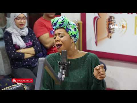 Khaoula Moujahid - MAMA (Live Acoustic) Sur MEDINA FM   خولة مجاهد - ماما