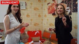 Доставка подарков SUNLIGHT к вам домой | Вера из SUNLIGHT уже едет к вам!