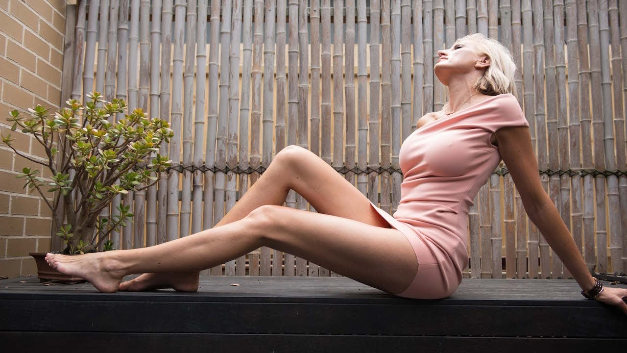 Mummy Long Legs  Ex Australian Model Bids For World s Longest Legs - YouTube 912167972