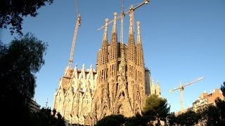 1882年に着工し完成までおよそ300年を要すると予想されたサグラダ・ファ...