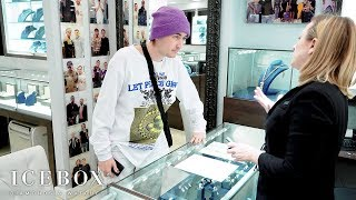 Gnash Designs His First Pendant At Icebox!