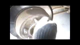 Демонтаж тормозного цилиндра, суппорта, колодок ручного тормоза, тормозного диска, гаек крепления по