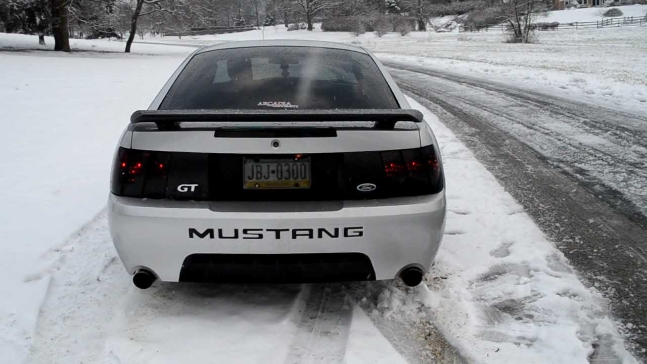 2004 mustang gt 40th anniversary edition in the snow exhaust and snowy burnouts youtube. Black Bedroom Furniture Sets. Home Design Ideas