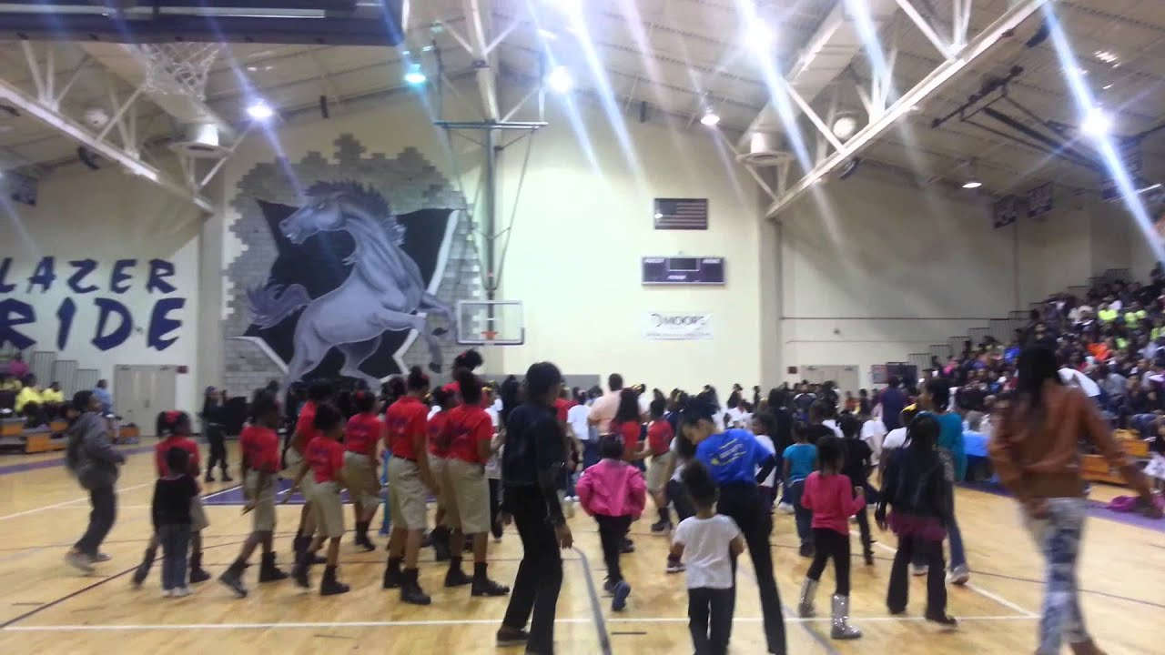 EL Wright Middle Step Show - YouTube