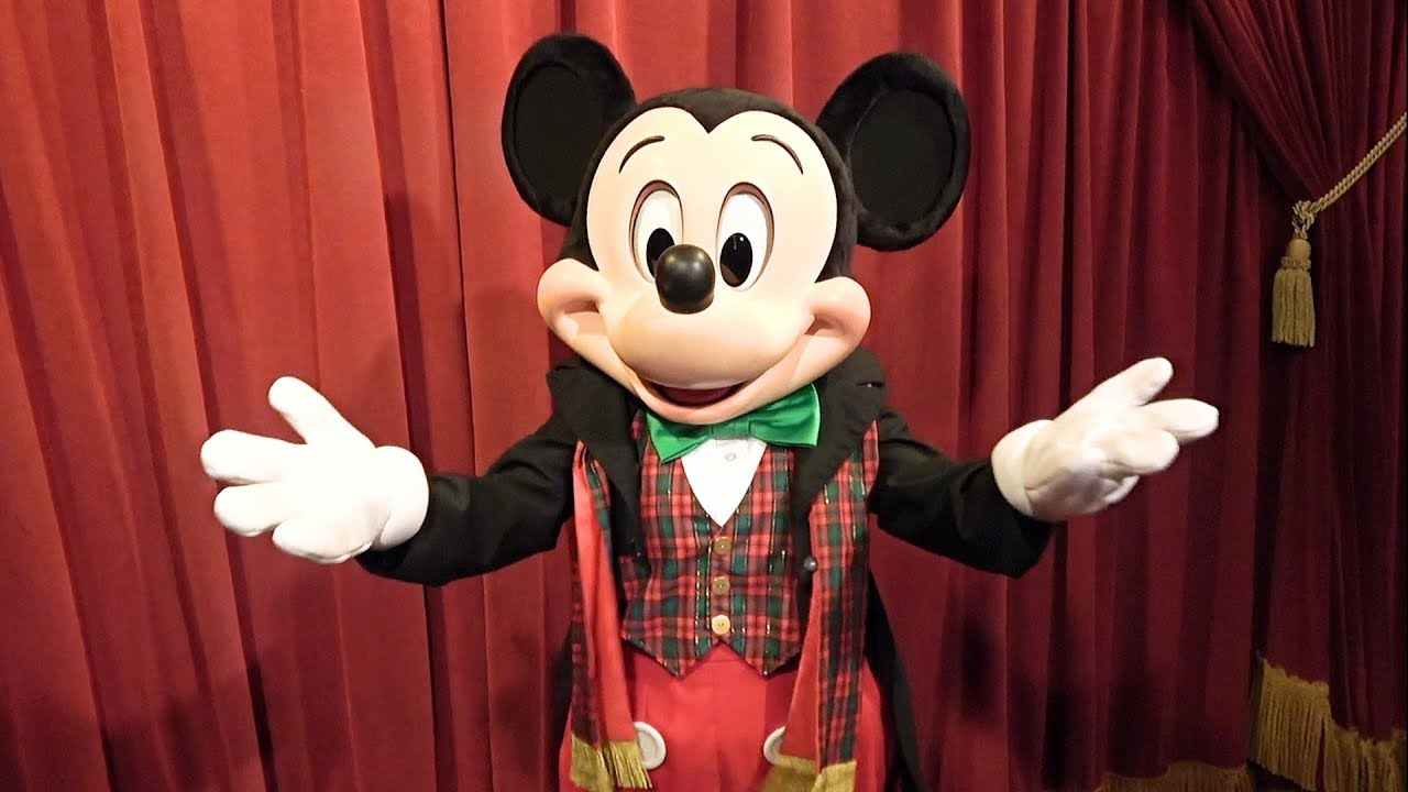 talking mickey mouse at mickeys very merry christmas party 2017 in holiday outfit - Merry Christmas Mickey Mouse