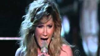 Jennifer Nettles & Rihanna - California King Bed - Live at the 46th ACM Awards 2011