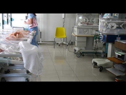 E rëndë, gruaja nga Bulqiza humb trinjakët, pa gjinekolog dhe staf mjekësor
