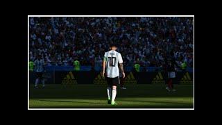 Argentinien-Interimstrainer Lionel Scaloni Trikot mit der Nummer zehn wartet auf Lionel Messi