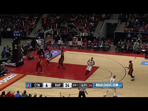 Edy Tavares with 8 Blocks against the Charge