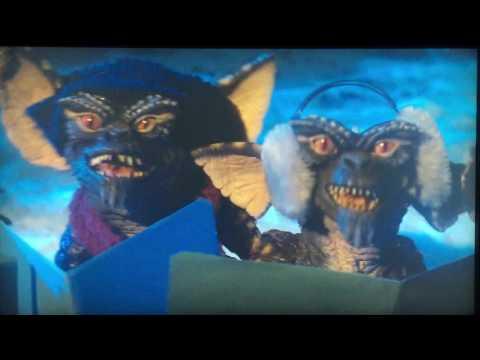Gremlins singing Xmas song