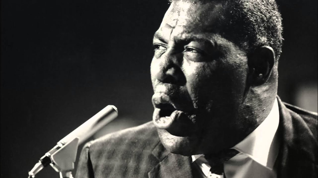 Howlin' Wolf - Can't Stay Here - YouTube