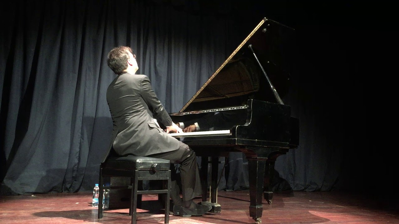 Marouan plays Liszt