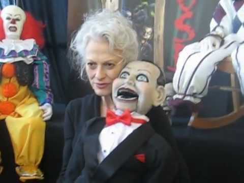 The Scary Closet S Booth Son Of Monsterpalooza October 2012 Dead Silence Star Judith Roberts Youtube