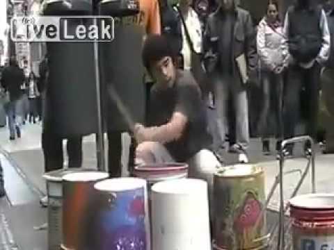 игра на барабанах смотреть клип онлайн
