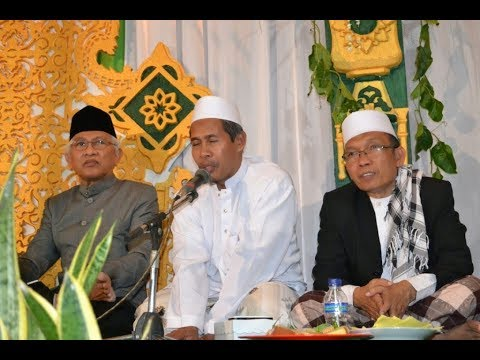 KH.Marzuki Mustamar : Kyai Atau Habaib..... ?