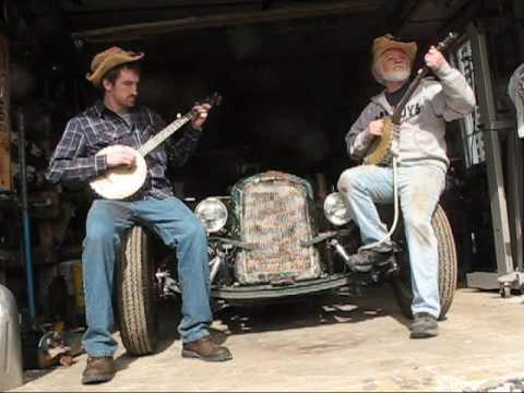 Hillbilly Rednecks Dueling Banjo attempt, don't try this at home