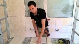 видео Резка керамической плитки и как отрезать кафель в домашних условиях