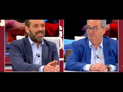 Cassá responde a preguntas de Jose L. García (101TV), S. Ruiz (EFE) y P. Sánchez (F. Cánovas)