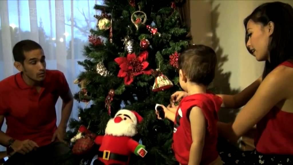 Intip Okan Kornelius Hias Pohon Natal di Rumah Barunya