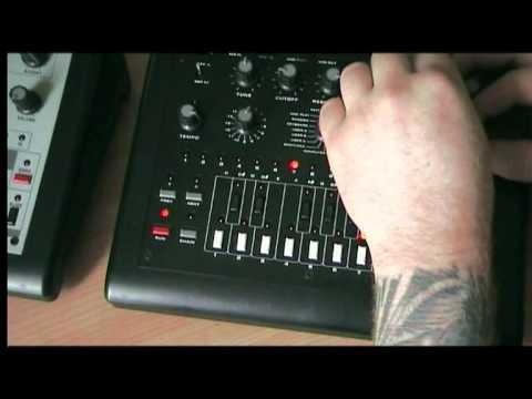 TB 303 CLONE X0XB0X demo
