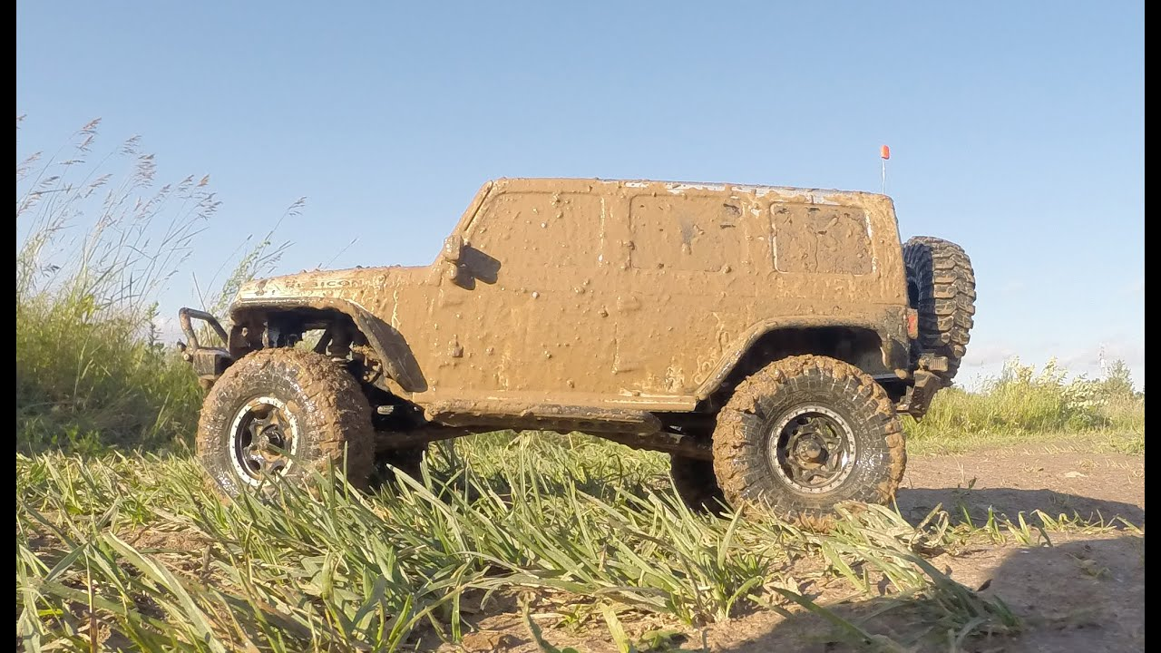 Axial Scx10 Jeep Wrangler In Mud Summer Video Youtube