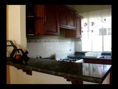 Vendo casa en Bosques de Lourdes  Cocina con barra