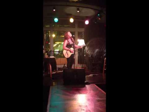 Audra Mae singing her song Ne'er Do Wells
