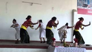 Saila rodi ghar ma sangai nachaula .... Kauda Dance (Myagdi Magar Samaj Bagdol KTM) !!
