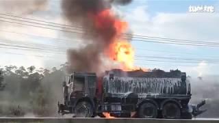 Xe bồn chở xăng và xe ben đâm nhau, bốc cháy dữ dội, 2 cha con chết thảm