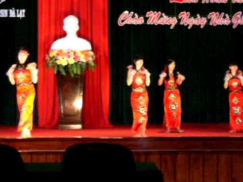 chieu len ban thuong (2).AVI