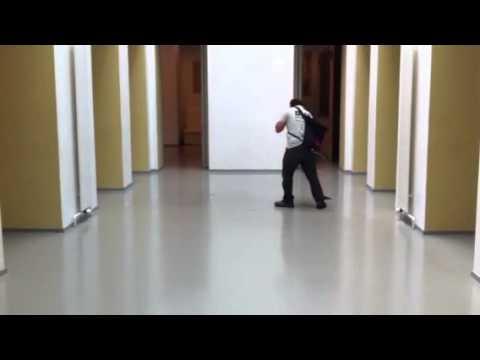 Epoxy vloer reinigen en in de was zetten youtube