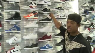 Ja Rule Checks Out Shoe Palace in San Jose, CA